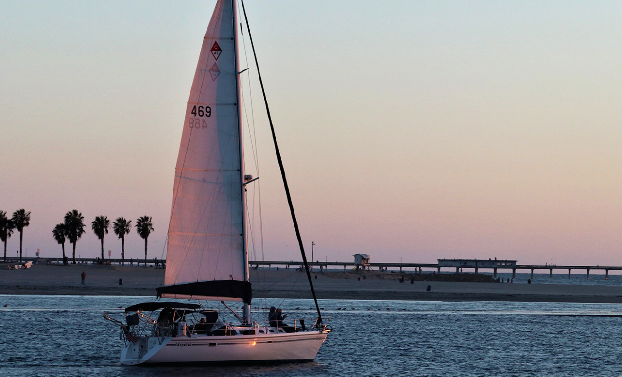 Enjoy your weekend with an unmatched sailboat adventure