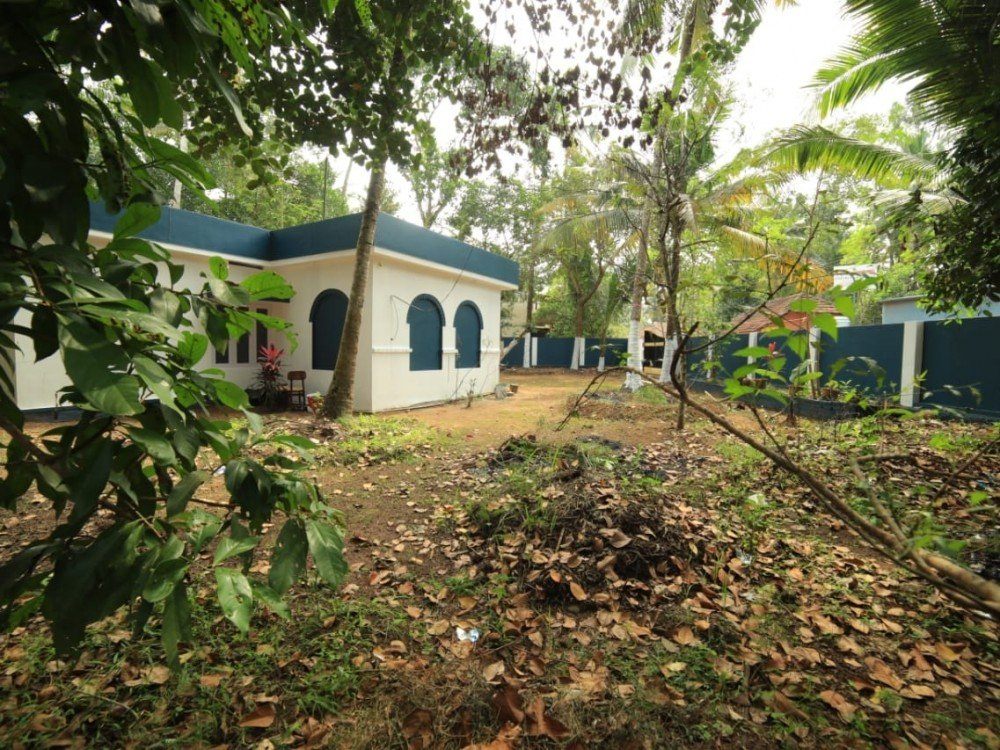 2000 Sq Ft 4 BHK House with 47 Cents of land for sale