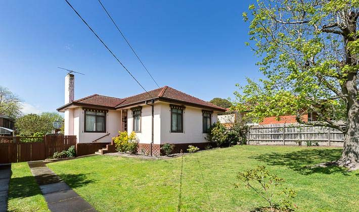 THREE BEDROOMS FAMILY HOME IN A GREAT LOCATION